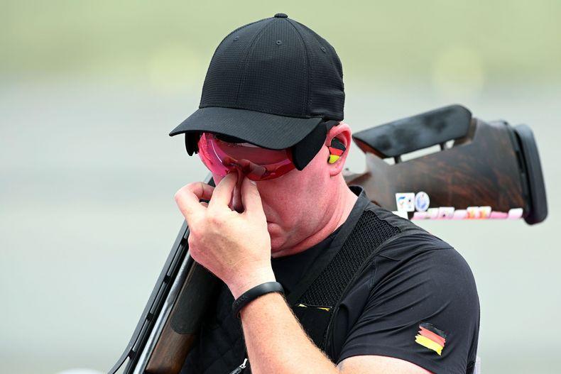 Foto: Picture Alliance / Emotionen oder fehlender Schlaf? Andreas Löw am zweiten Qualifikationstag in Tokio.