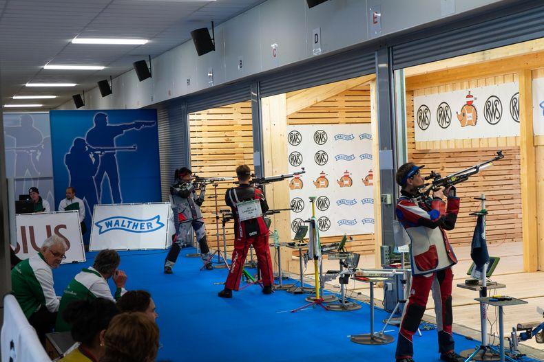 Foto: Jürgen Reber / Beim Luftgewehr Damen I ging es äußerst spannend zu.