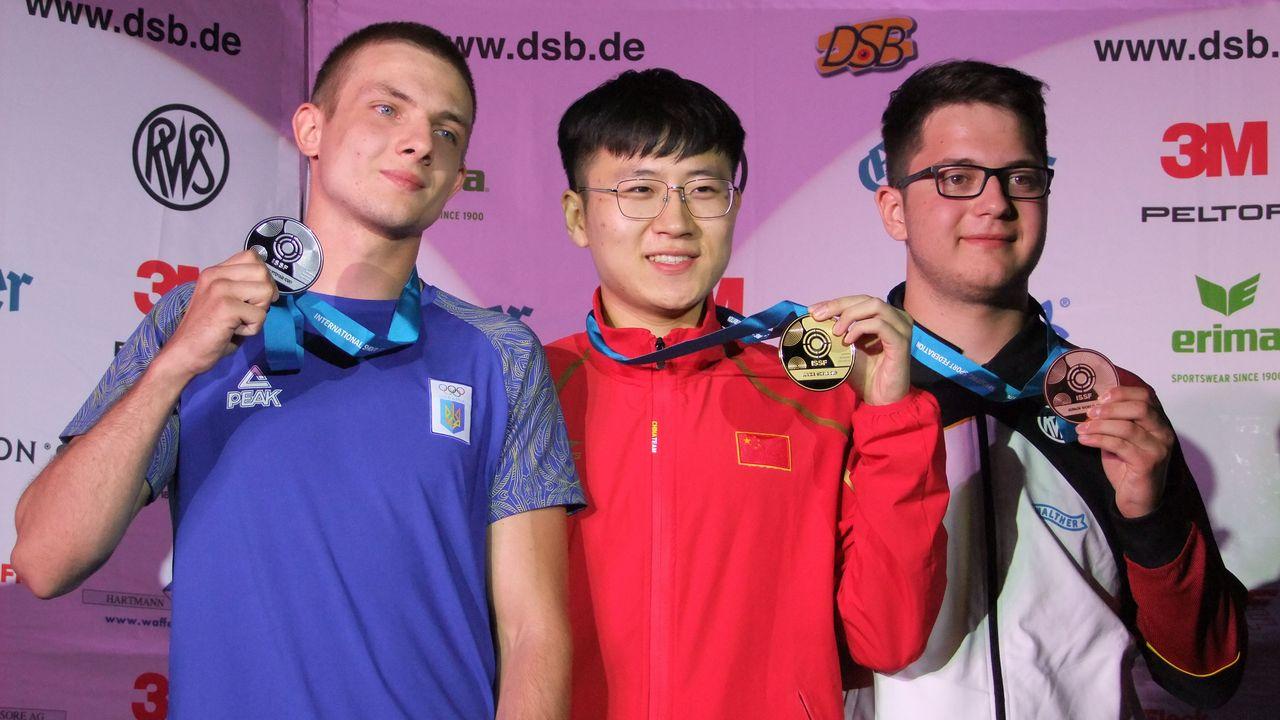 Foto: Michael Eisert / Florian Peter sichert sich die zweite Medaille im Wettbewerb 25 Meter Pistole.