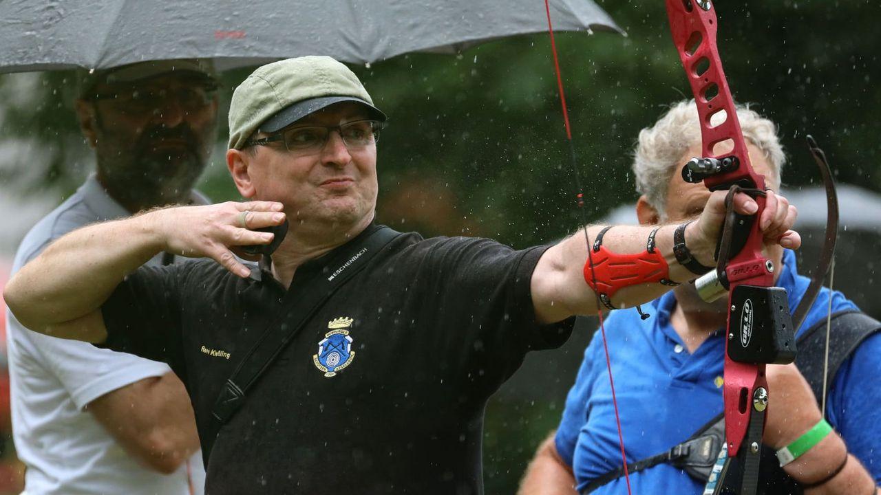 Foto: Werner Wabnitz / Die Schützen ließen sich bei der Feldbogen-DM von den widrigen Bedingungen in Trier nicht aufhalten.