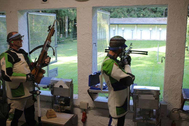 Foto: BSSB / Die zweite Disziplin bei der DM Armbrust nat. trad. ist das Schießen auf die 30m entfernten Scheiben.