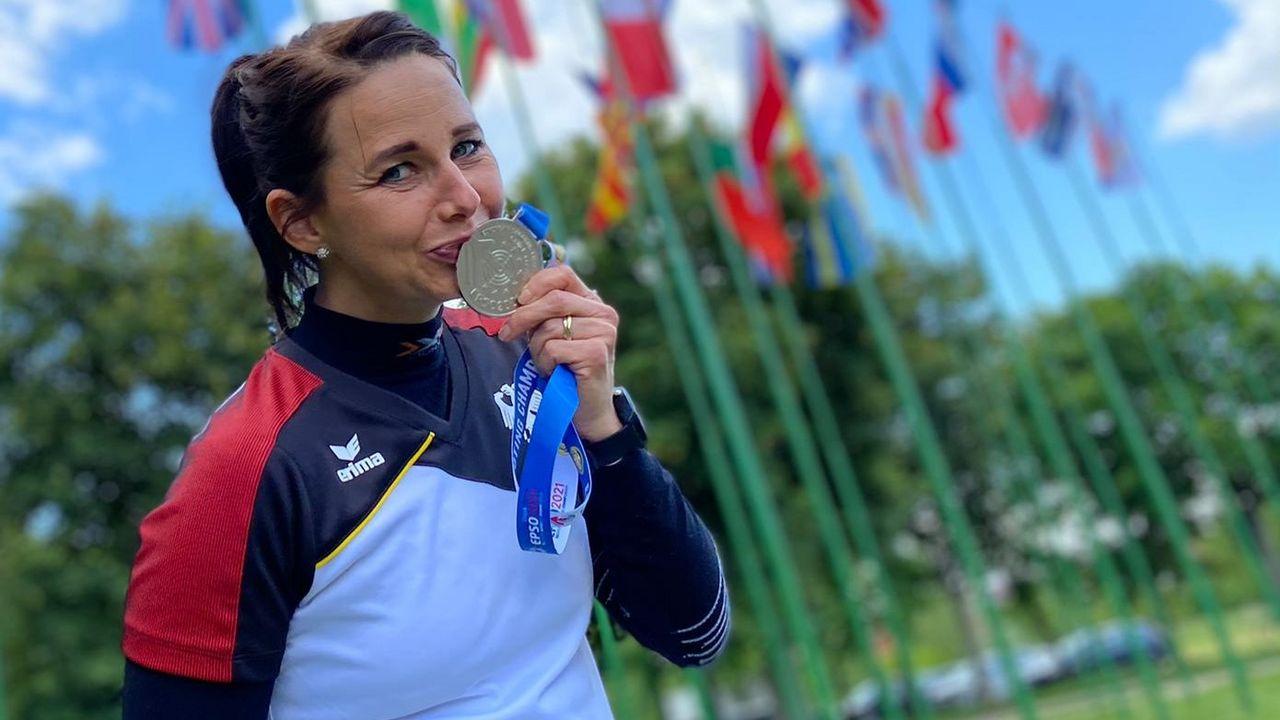 Foto: DSB / Glücklich mit EM-Silber: Monika Karsch.