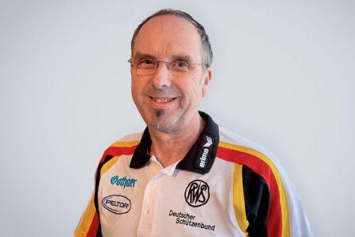 Harry Neuhaus - Trainer-A Bogen
