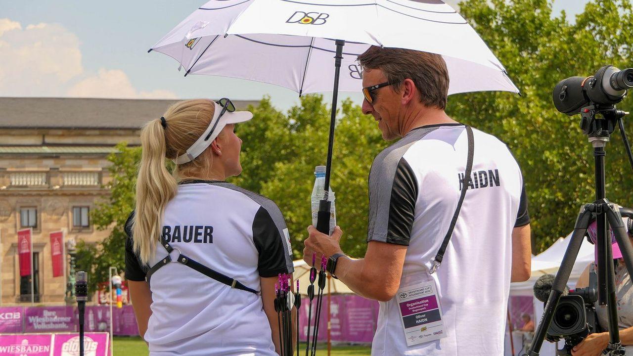 Foto: DSB / Die Bundestrainer (hier Oliver Haidn) standen den Athleten (hier Katharina Bauer) auch in diesem schweren Jahr stets an der Seite.
