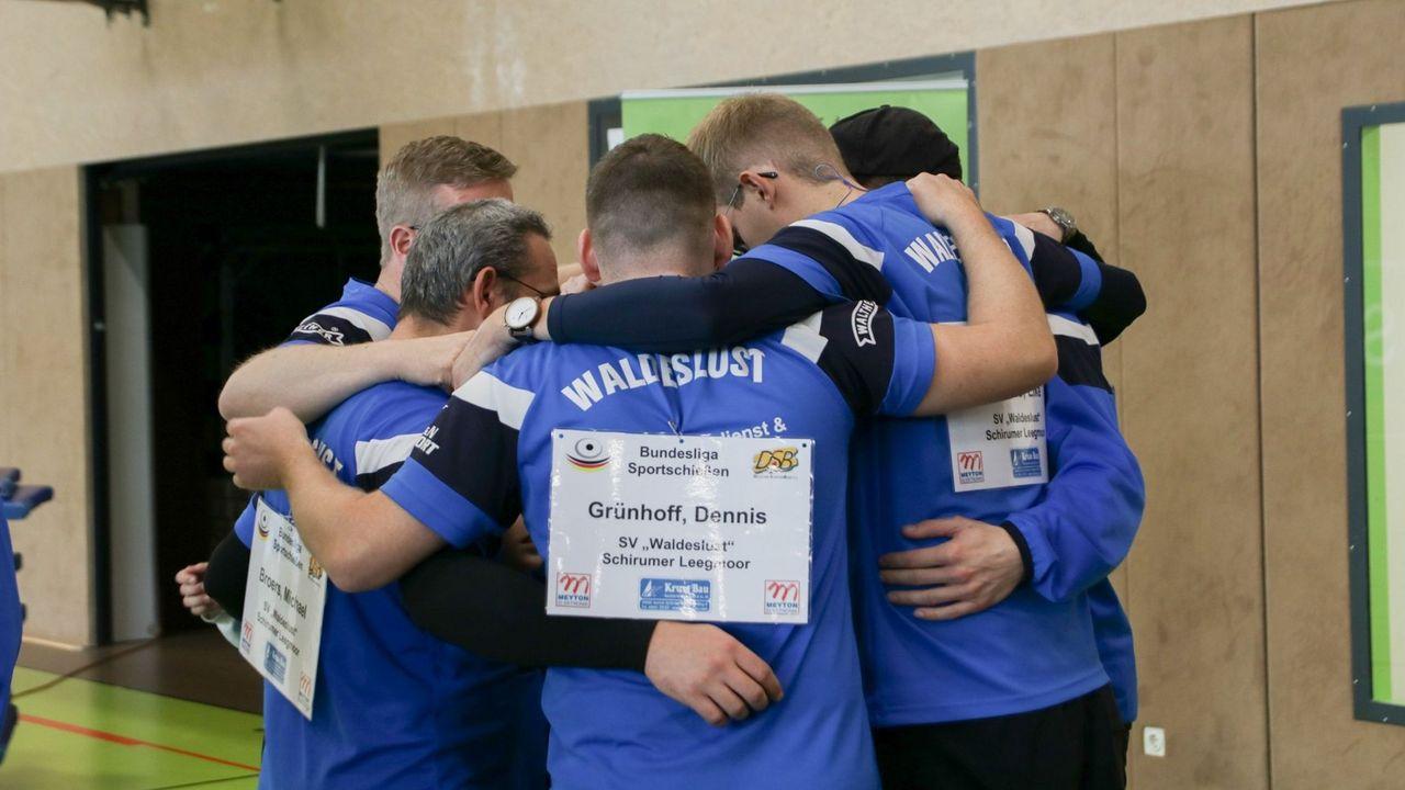 Foto: Nadja Kolpakova / Gelingt vielleicht dem Außenseiter Leegmoor mit Teamgeist eine Überraschung gegen Braunschweig?