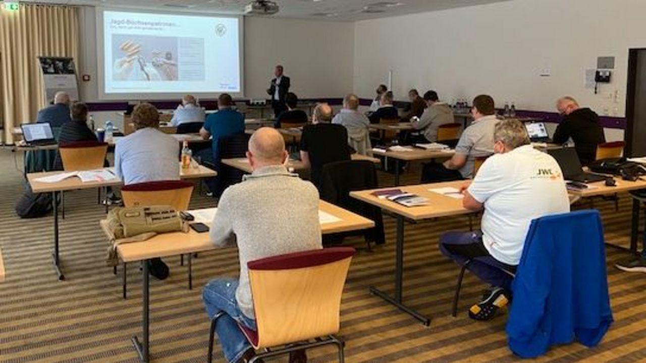 Foto: DSB / Interessante und abwechslungsreiche Themen bekamen die Teilnehmer des Flinten-Seminars präsentiert.