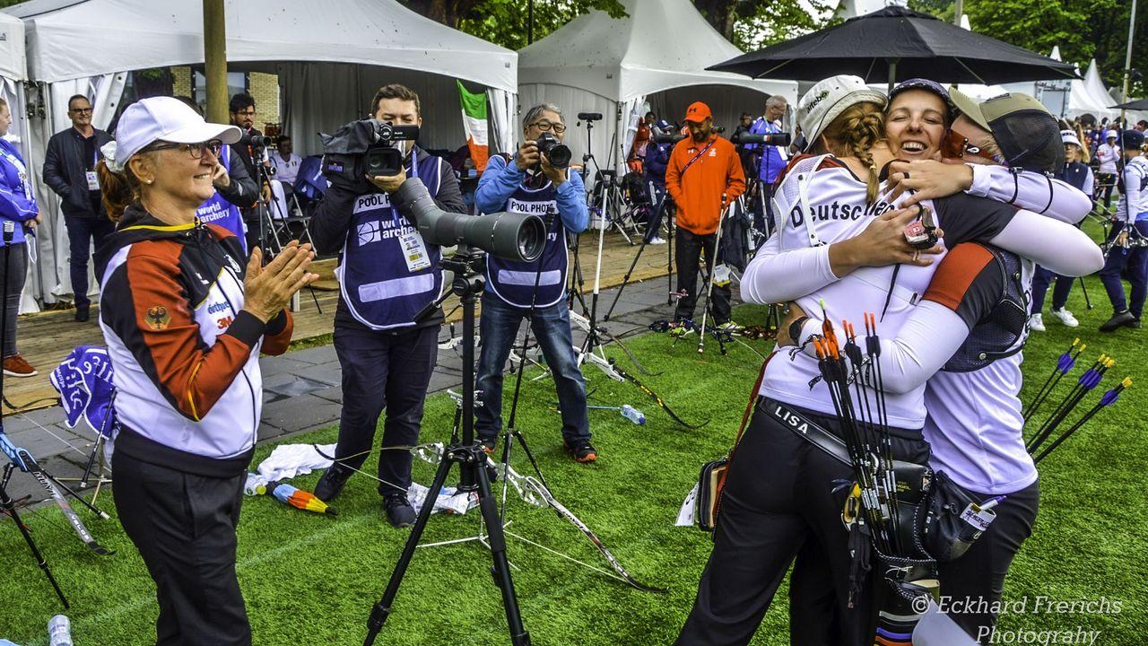Foto: Eckhard Frerichs / Der wichtigste Moment der WM: Die deutschen Frauen jubeln über den Team-Quotenplatz für Tokio 2020.