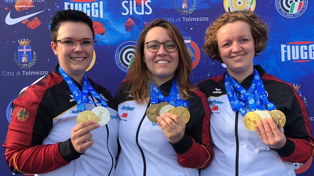 Foto: DSB / Das deutsche Team mit Lisa Müller, Jolyn Beer und Eva Rösken holten icht nur Gold, sondern verbesserte auch den eigenen Weltrekord.