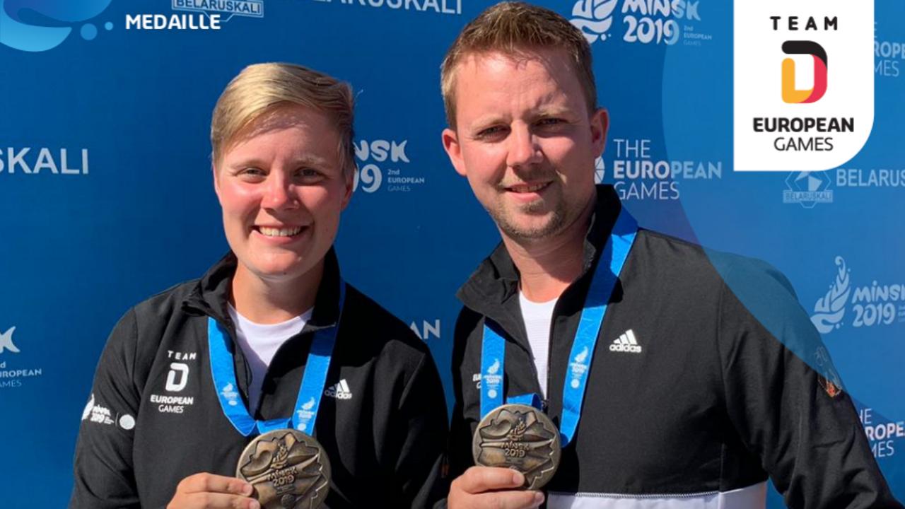 Foto: Team Deutschland / Michelle Kroppen und Cedric Rieger freuen sich über Bronze im Mixed-Wettbewerb Recurve.