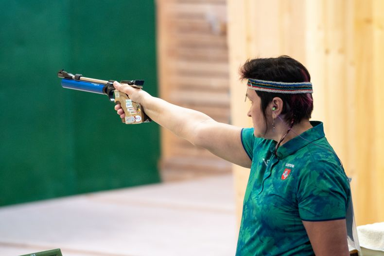 Foto: Jürgen Reber / Dank eines starken Schlussspurts sicherte sich Tatjana Klimova den Titel mit der Luftpistole Damen II.