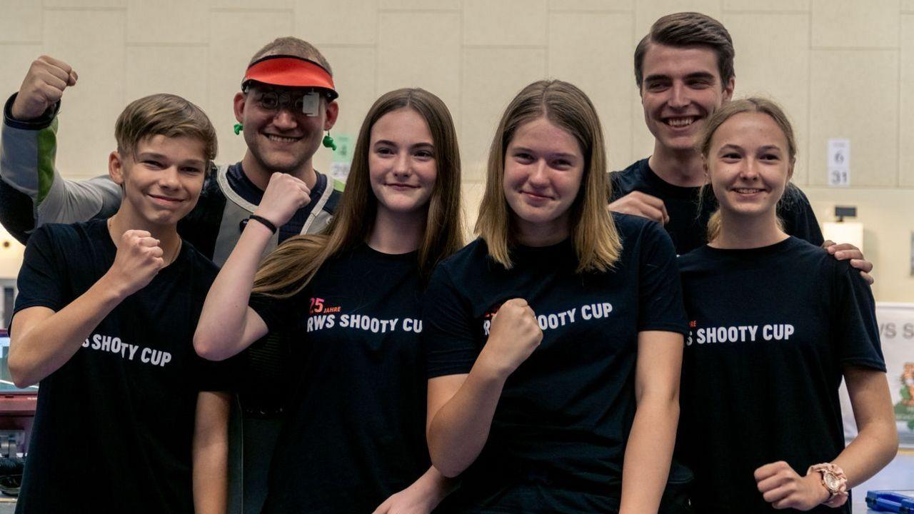 Foto: DSJ / Jungschützen und Profis bilden beim Shooty Cup ein Team - das macht den Reiz aus.