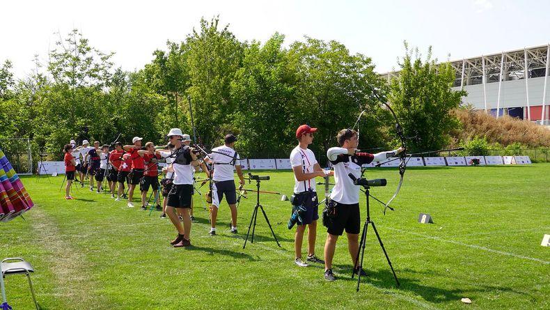 Bild: World Archery Europe / Heiße Temperaturen erwarten die Athleten auf dem Bogenplatz in Bukarest.