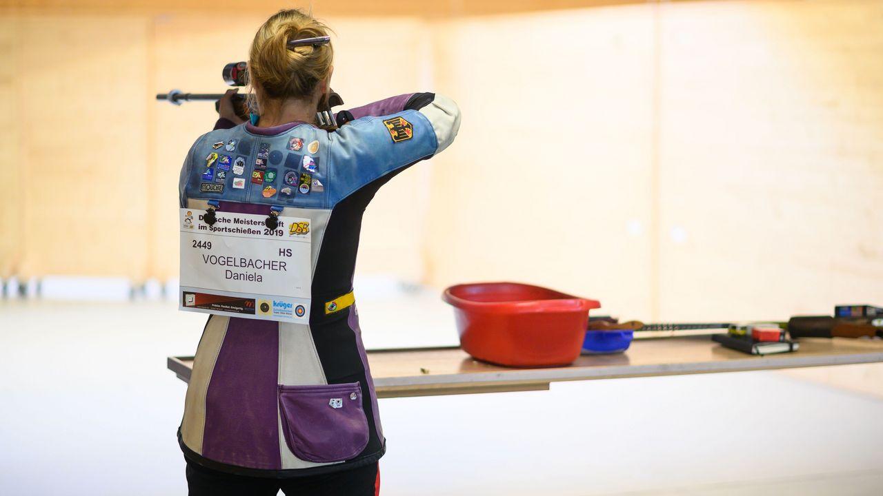 Foto: DSB / Daniela Vogelbacher gewinnt im Stechen Mixed-Gold.