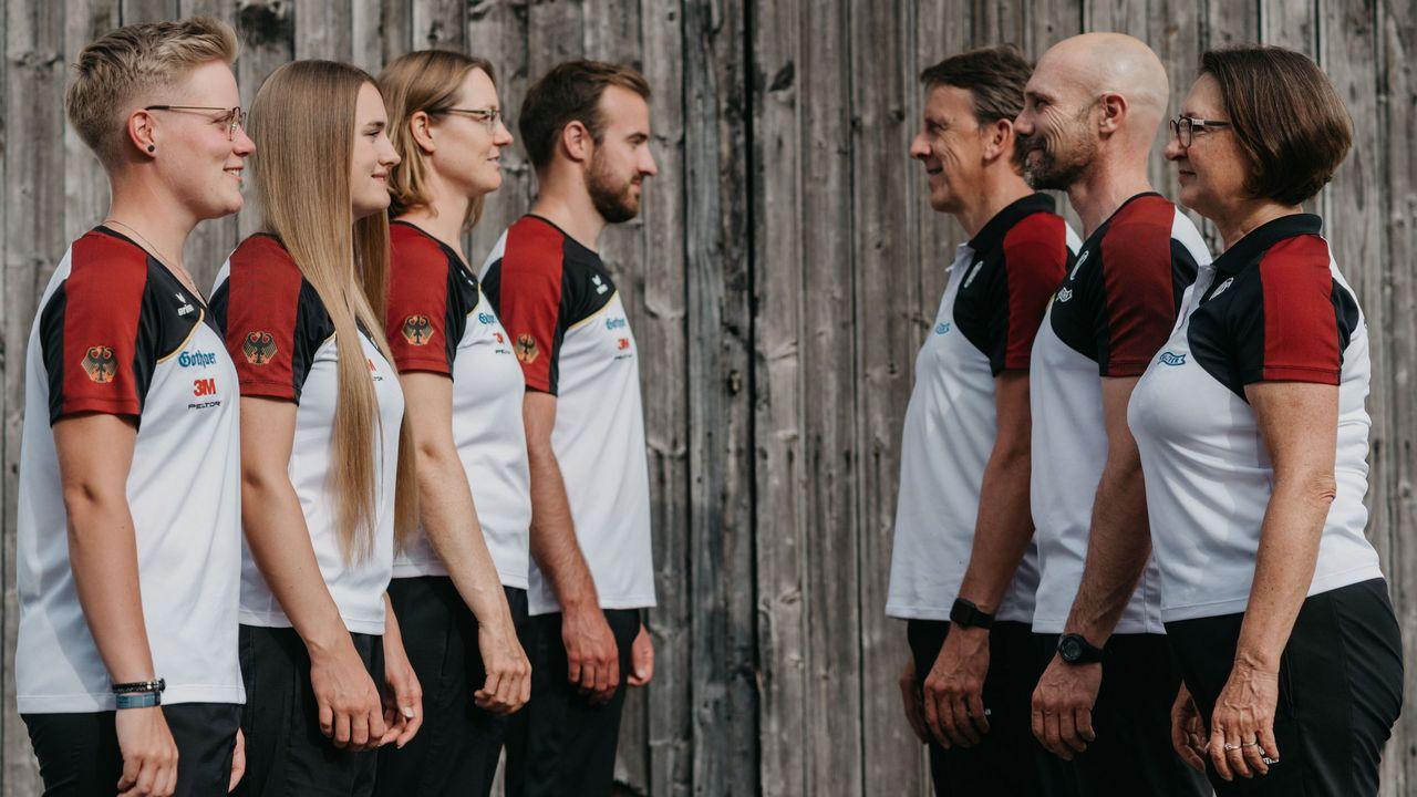 Foto: DSB / Das olympische Bogenteam mit v.l. Michelle Kroppen, Charline Schwarz, Lisa Unruh, Florian Unruh, Oliver Haidn, Marc Dellenbach und Natalia Butuzova holt sich den letzten Schliff in Berlin.