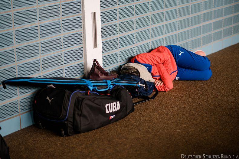 Bild: DSB / Ein Schläfchen zwischen zwei Wettkämpfen kann ebenfalls Teil der Wettkampfroutine sein.