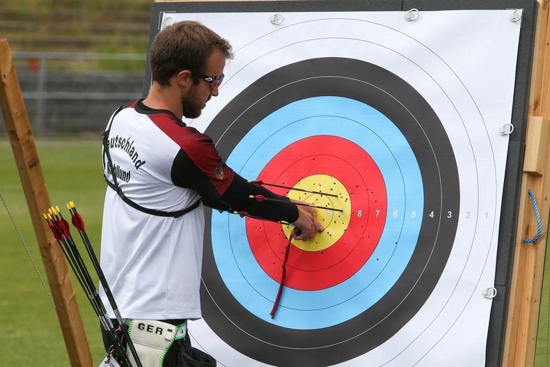 Bild: Eckhard Frerichs / Florian Kahllund schoss in der Qualifikation die meisten Pfeile ins Gold und gewann diese damit souverän.