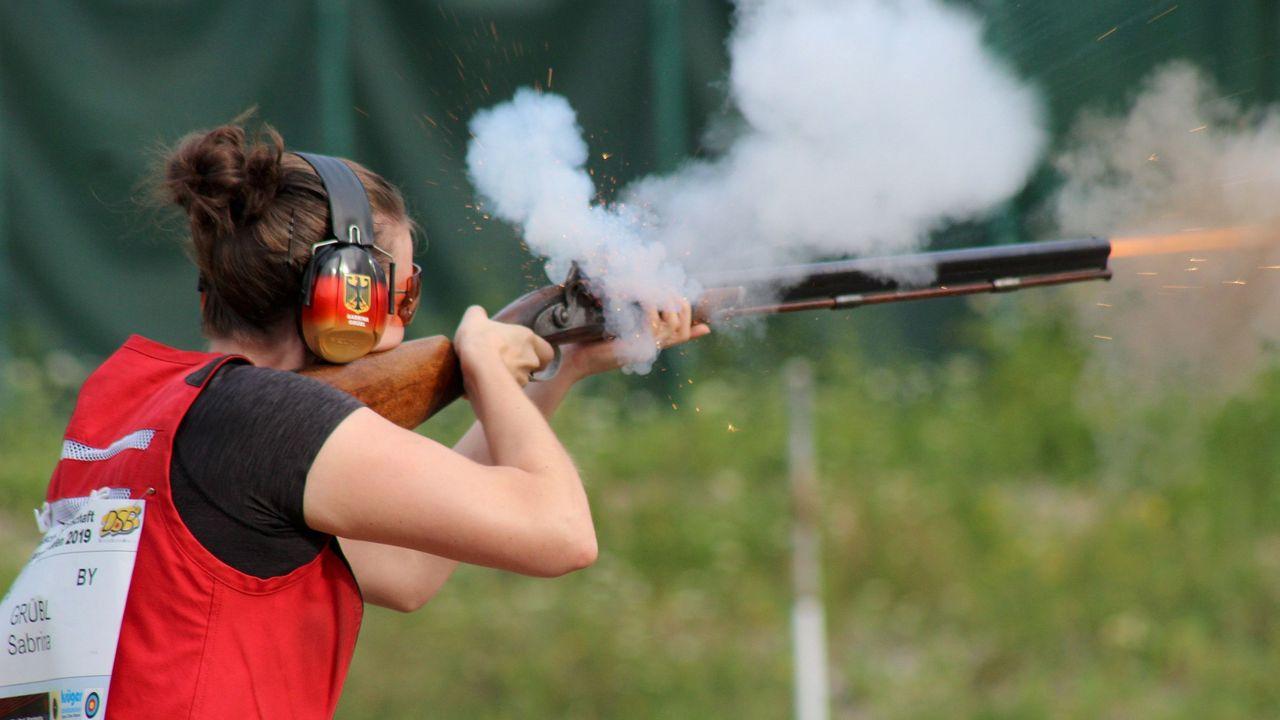 Foto: Martina Brandes / Die Vorderladerschützen ließen es bei der DM in Pforzheim krachen.