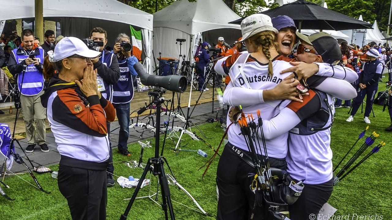 Foto: Eckhard Frerichs / Bei der DM im Fokus: Das DSB-Recurve-Nationalteam Lisa Unruh, Elena Richter und Michelle Kroppen.