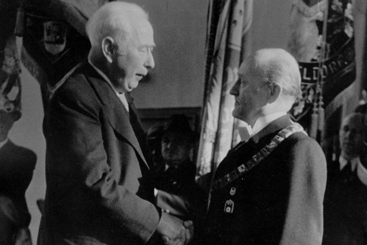 Bundespräsident Heuss und Dr.Wehner