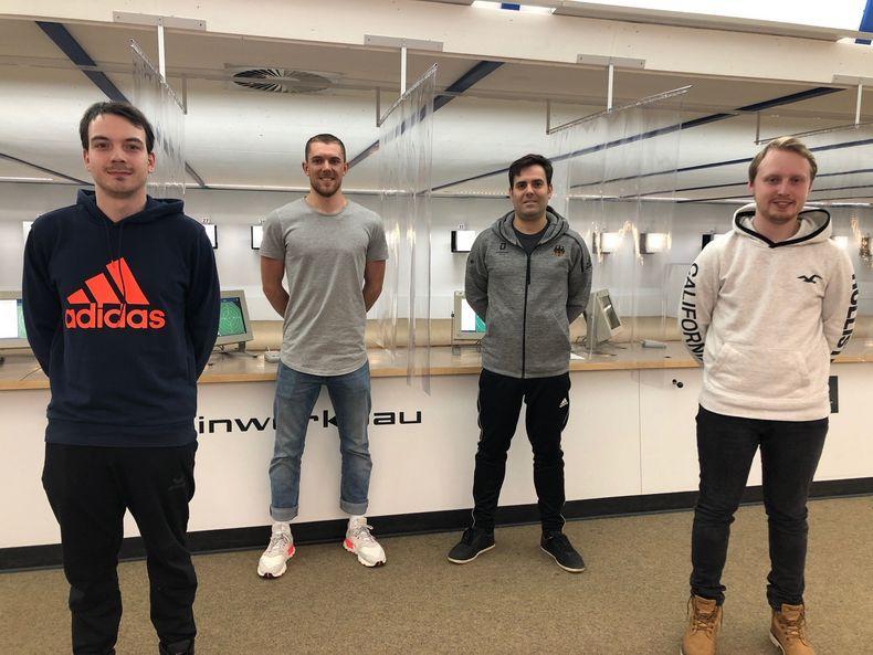 Foto: DSB / Dennis Welsch, Maximilian Dallinger und Bastian Blos sind die EM-Teilnehmer, Julian Justus (2. v.r.) steht als Ersatz bereit.