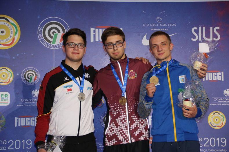 Foto: ESC / Zeigt bei der EM sein großes Talent und belohnte sich mit der Sportpistole mit Doppel-Silber: Florian Peter (links).