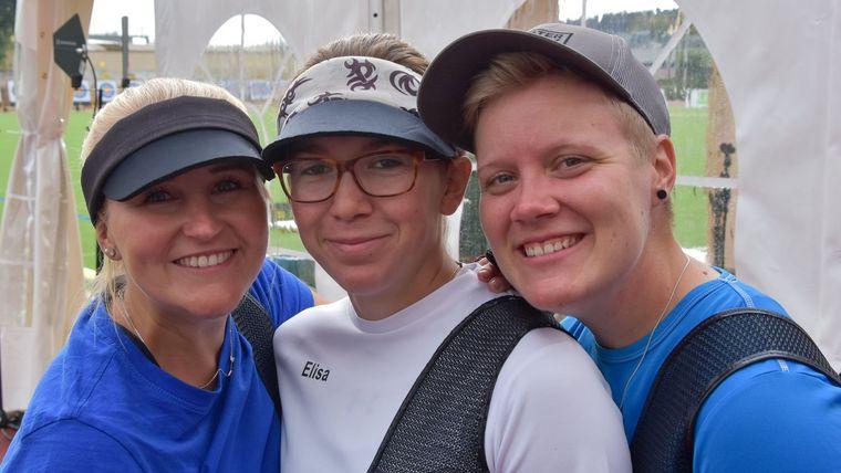 Foto: Eckhard Frerichs / Bilden in Yankton das Recurve-Team Frauen: Katharina Bauer, Elisa Tartler und Michelle Kroppen (v.l.).