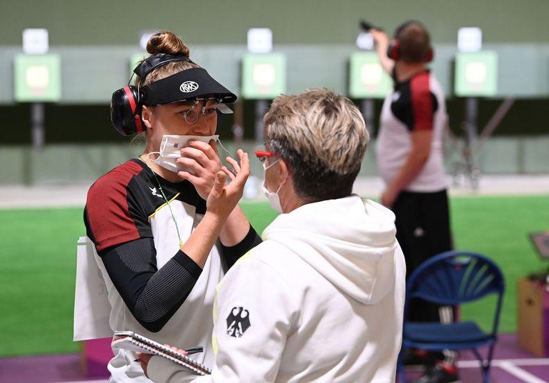 Foto: Picture Alliance / Auch eine Auszeit und  Gespräch mit Bundestrainerin Barbara Georgi brachte nicht die entscheidende Verbesserung.