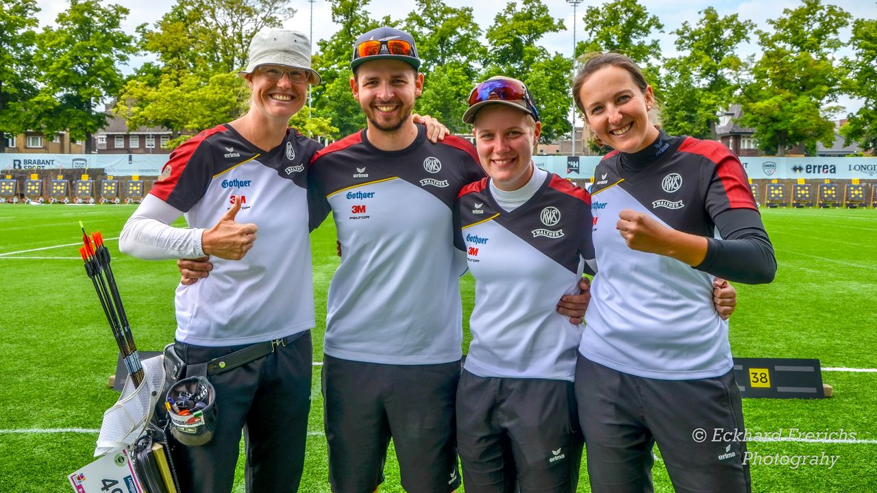 Foto: Eckhard Frerichs / Daumen hoch für Lisa Unruh, Maximilian Weckmüller, Michelle Kroppen und Elena Richter.