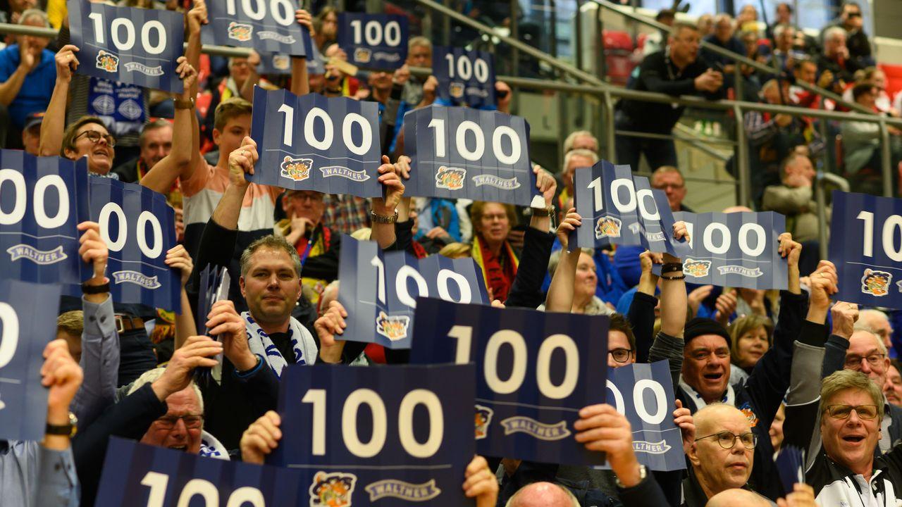 Foto: DSB / Begeistert! Die Zuschauer in Rotenburg an der Fulda trugen ihren Teil zum Gelingen des Bundesligafinals bei.