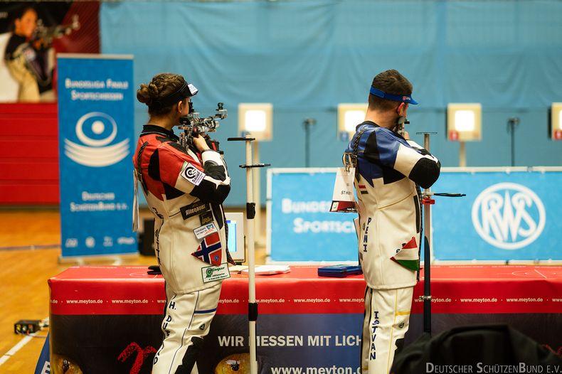 Foto: DSB / Könnte auch ein olympisches Finale sein, ist aber Bundesliga: Jeanette Duestad (Freiheit) und Istvan Peni (Elsen) standen in Tokio in einem bzw. mehreren Finals.