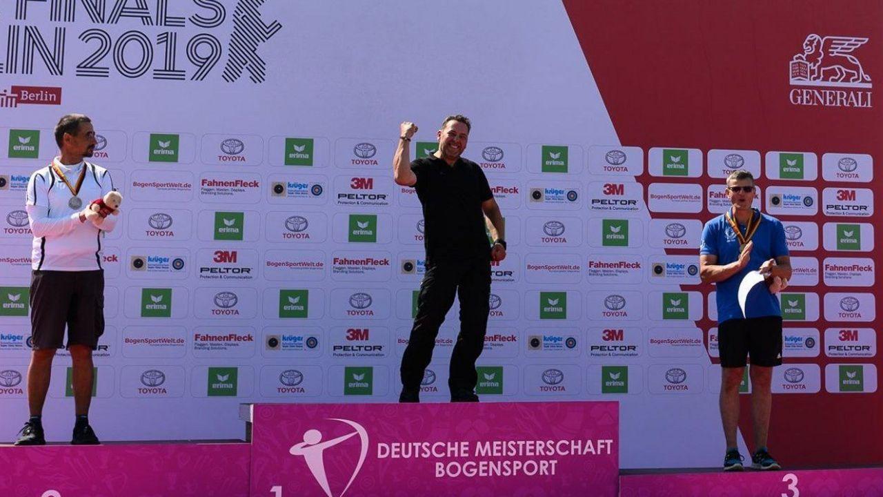 Foto: DSB / Überglücklich! Alexander Jagusch holte sich erstmals den DM-Titel in der Master-Klasse.