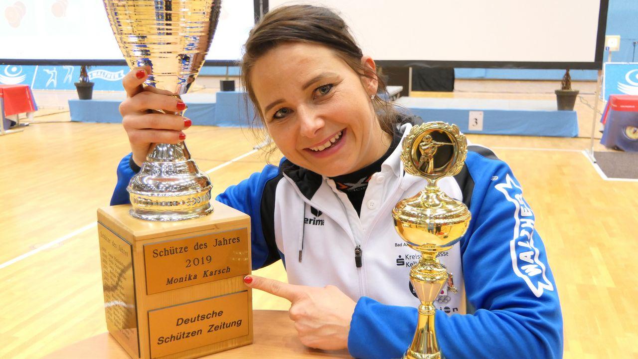 Foto: DSB / Da steht es! Monika Karsch ist Sportschützin des Jahres 2019.