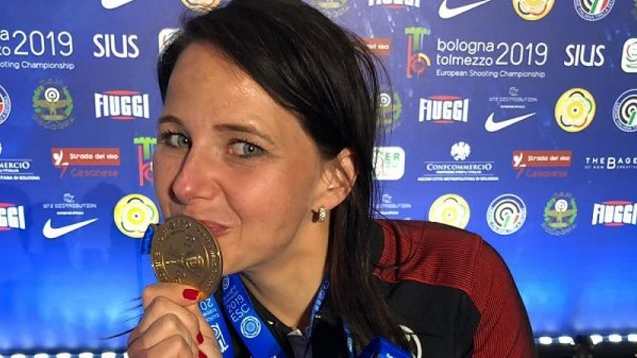 """Foto: DSB / Die sportlichen Erfolge 2019 sowie das immer sympathische Auftreten Monika Karschs sorgten nun für die Auszeichung zu """"Ostbayerns Sportlerin des Jahres""""."""