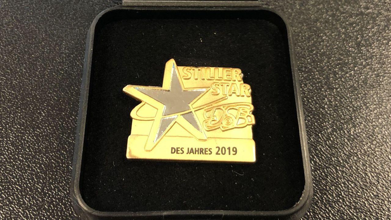"""Foto: DSB / Die Auszeichnung """"Stiller Star des Jahres 2019"""" geht an die Jugend des BSV 05 Bochum-Oberdahlhausen."""