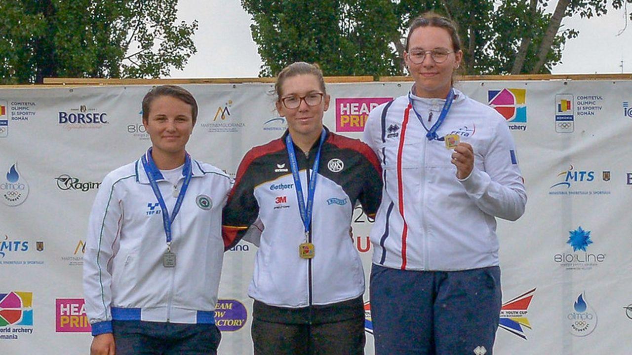 Foto: Cristian Niculae/World Archery Europe / Juniorin Elisa Tartler holt Gold im Recurve-Einzel und damit auch den Sieg in der Gesamtwertung.