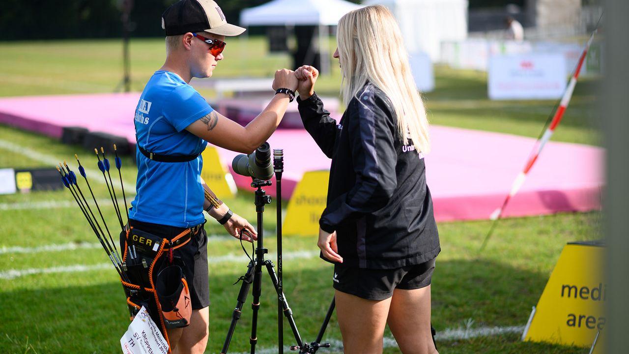Bild: DSB / Spitzensportler wie Michelle Kroppen und Katharina Bauer scheitern in ihrer Sportkarriere öfter als dass sie gewinnen - und trotzdem bleiben sie positiv.