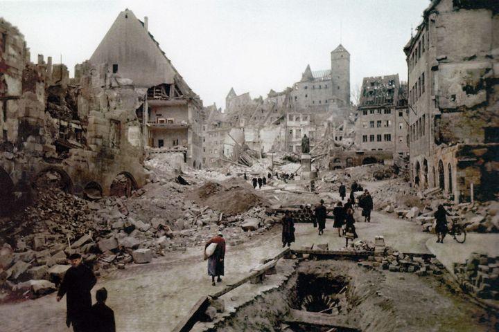 Nürnberg Dürer-Platz Ruine Bundesgeschäftsstelle, 1945