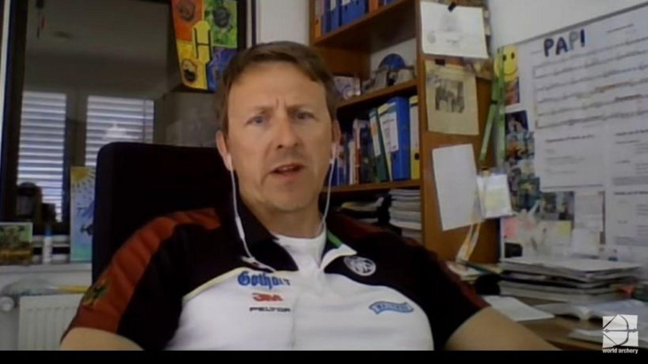 Foto: WA / Bundestrainer Oliver Haidn während seines Online-Vortrages für die WA.
