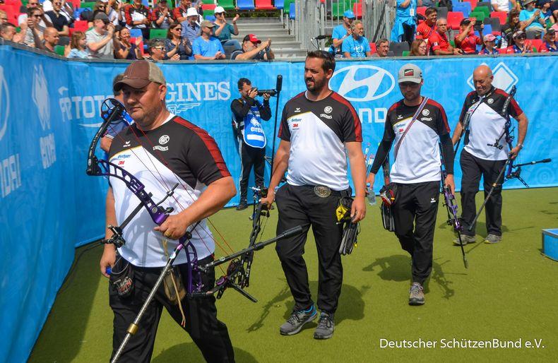 Foto: Eckhard Frerichs / Abgang für Lars Klingner, Marcus Laube, Marcel Trachsel und Trainer Harry Vohs.