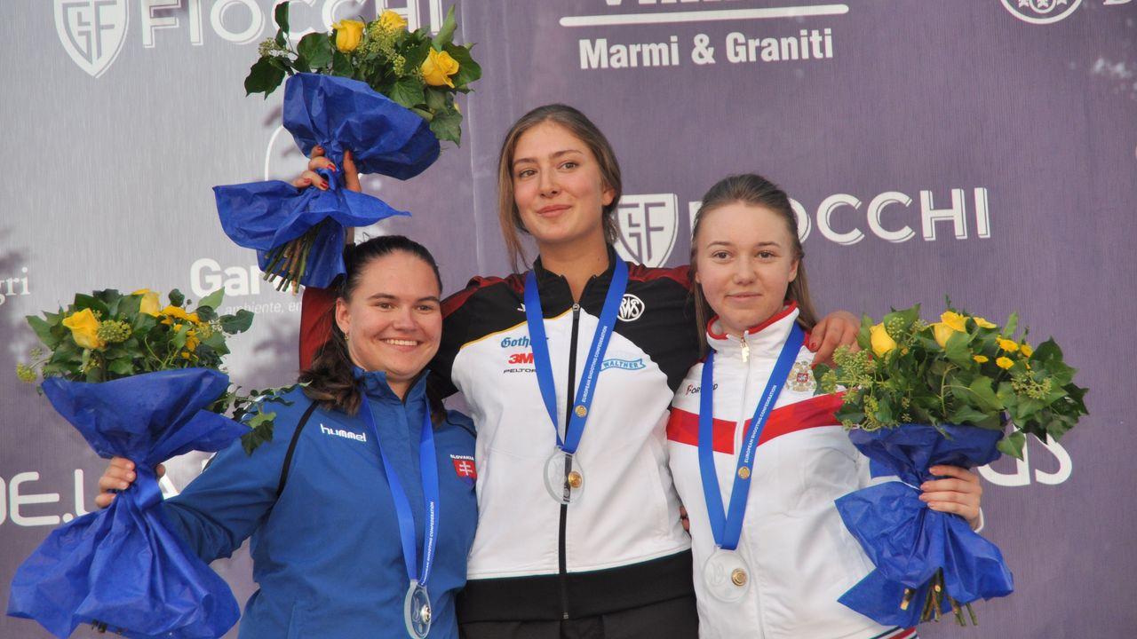 Foto: ESC / Ganz oben! Eva-Tamara Reichert gewann Gold im Einzel und im Mixed sowie Bronze mit dem Team.