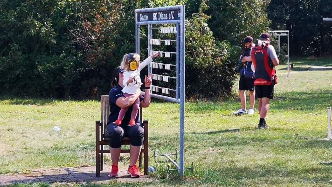 Bild: Messerschmdit / Nadine Messerschmidt liebt es sowohl Leistungssportlerin als auch Mutter zu sein und schafft es beides zu verbinden.