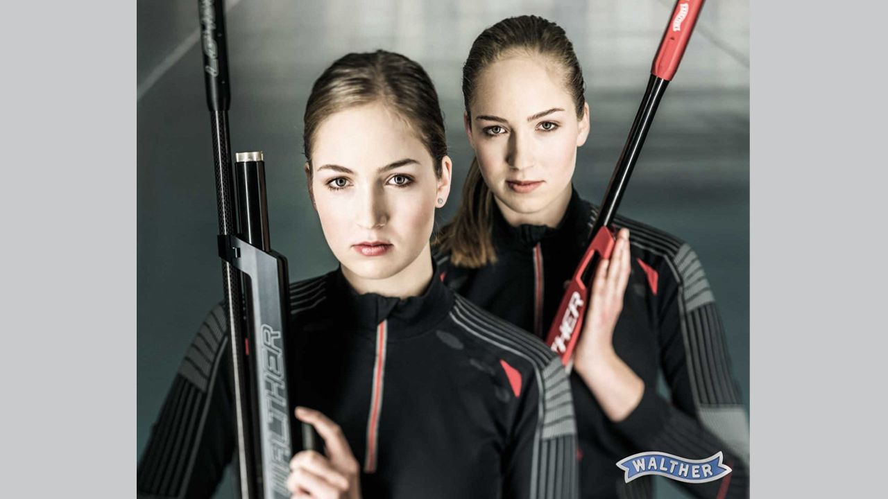 Bild: SSG Kevelaer / Die Zwillinge Anna und Franka Janssen fiebern bereits auf die Liveübertragung ihres Vereins, der SSG Kevelaer, hin.