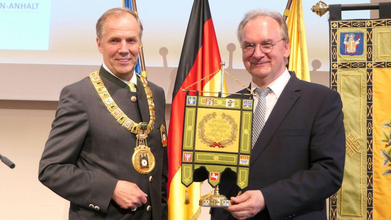 Foto: DSB / Dr. Reiner Haseloff, Ministerpräsident von Sachsen-Anhalt und DSB-Präsident Hans-Heinrich von Schönfels