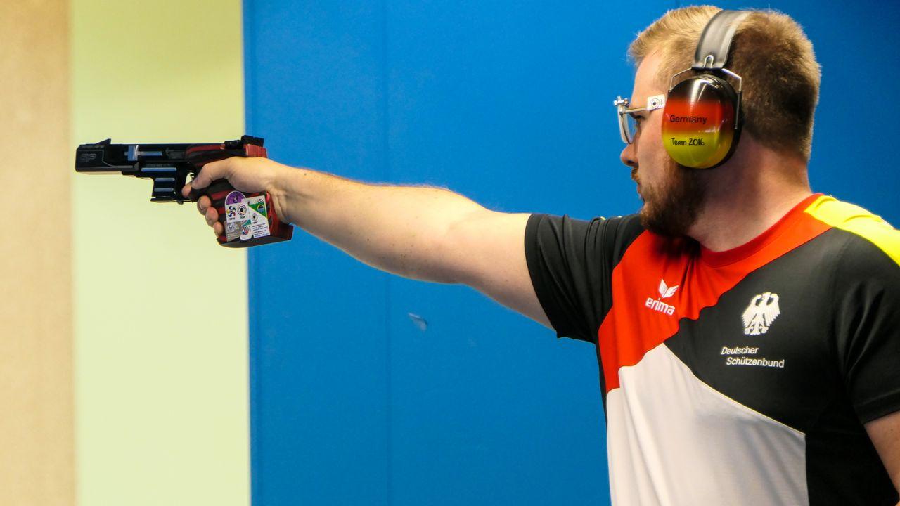 Foto: DSB / Oliver Geis zählt seit Jahren zur Weltspitze mit der Schnellfeuerpistole.