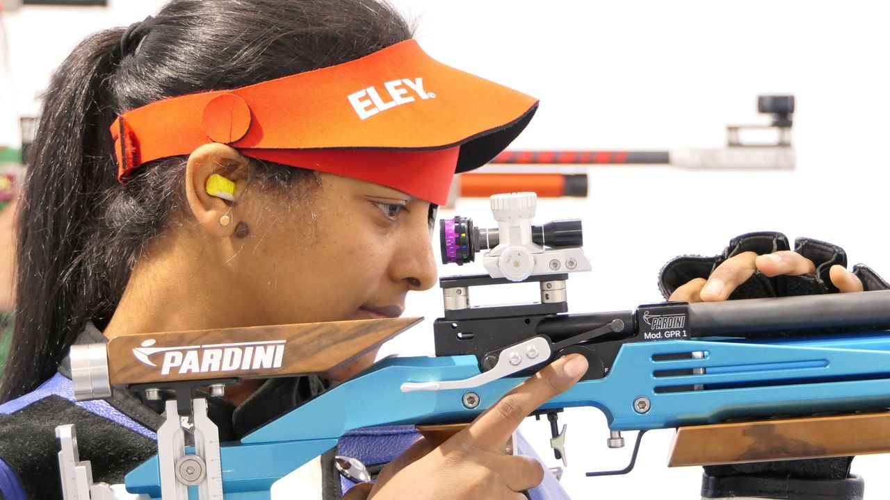 Foto: DSB / Luna Solomon beim Training in Wiesbaden. Sie wird im IOC-Flüchtlingsteam für die Olympischen Spiele in Tokio stehen.