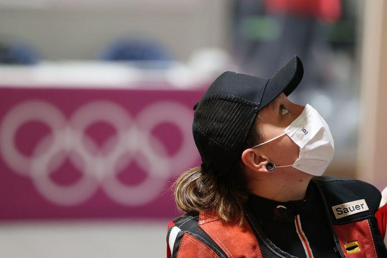 Foto: Picture Alliance / Der Blick geht nach oben: Jolyn Beer bei den Olympischen Spielen in Tokio.