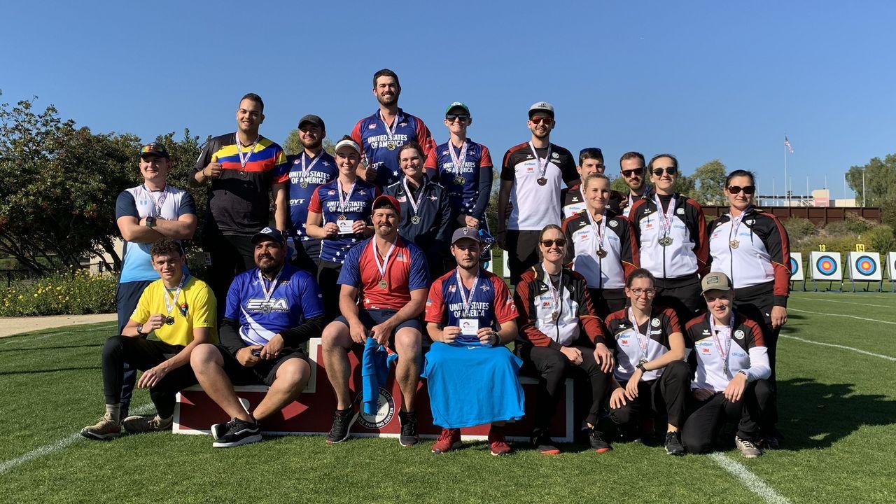 Foto: DSB / Die Kaderathleten aus den USA und Deutschland postierten für ein gemeinsames Foto in Chula Vista.