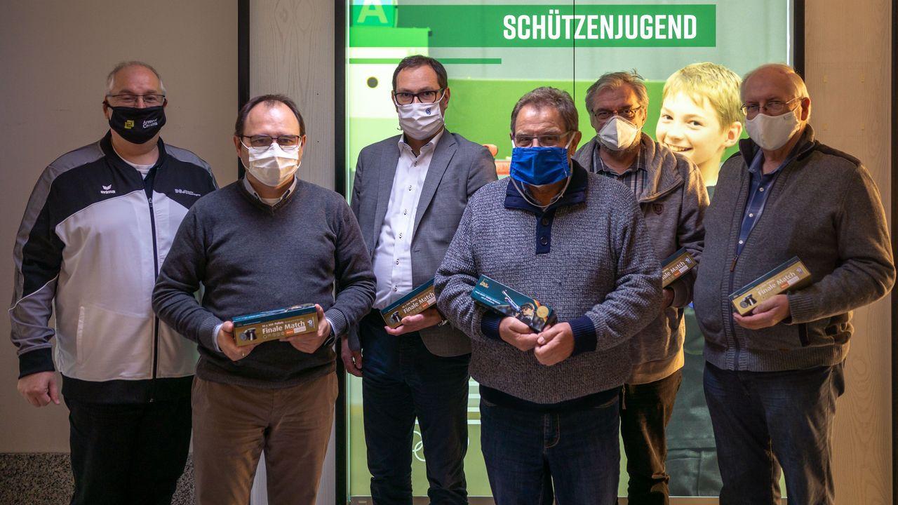 Foto: DSJ / v.l.n.r: Stefan Rinke (DSJ), Marco Krannich (TH), Volker Kächele (NWDSB), Frank Hübner (Referent Target Sprint), Otmar Martin (HS), Karl-Heinz Gegner (Referent Laufende Scheibe).