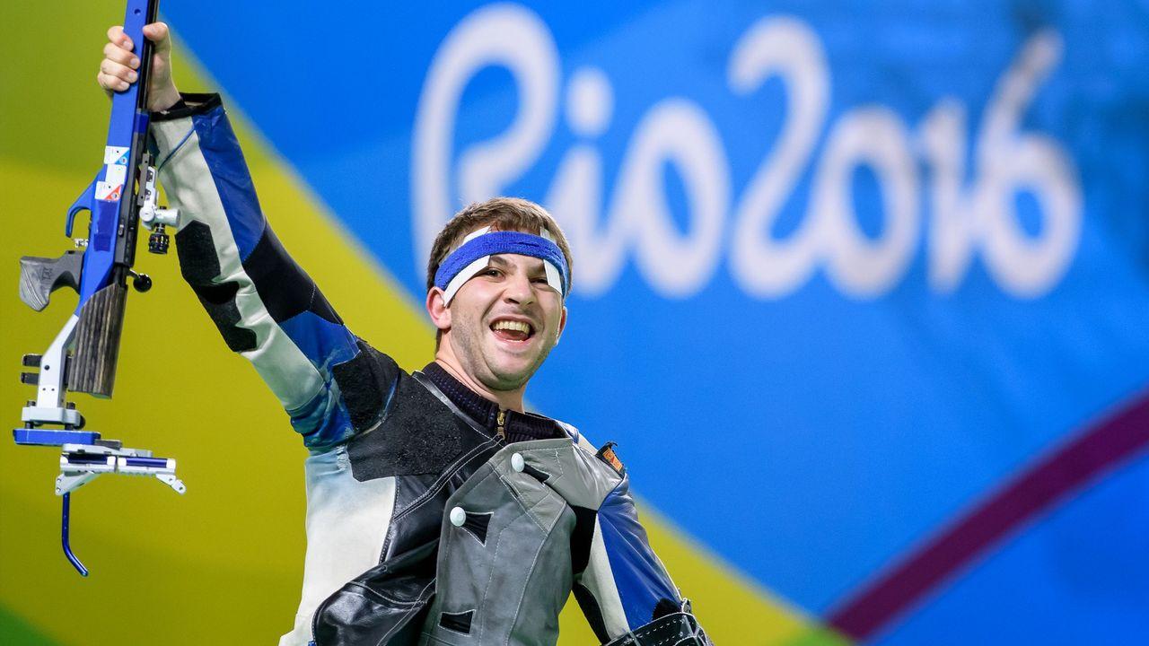 Bild: ISSF / Der Olympiasieg in Rio de Janeiro 2016 eröffnet Henri Junghänel auch im Beruf neue Türen.