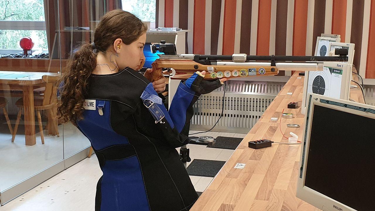 Foto: Sonja Schmid / Sonja Schmid trainiert fleißig für ihren ersten Start bei der Deutschen Meisterschaft in der Schülerklasse.